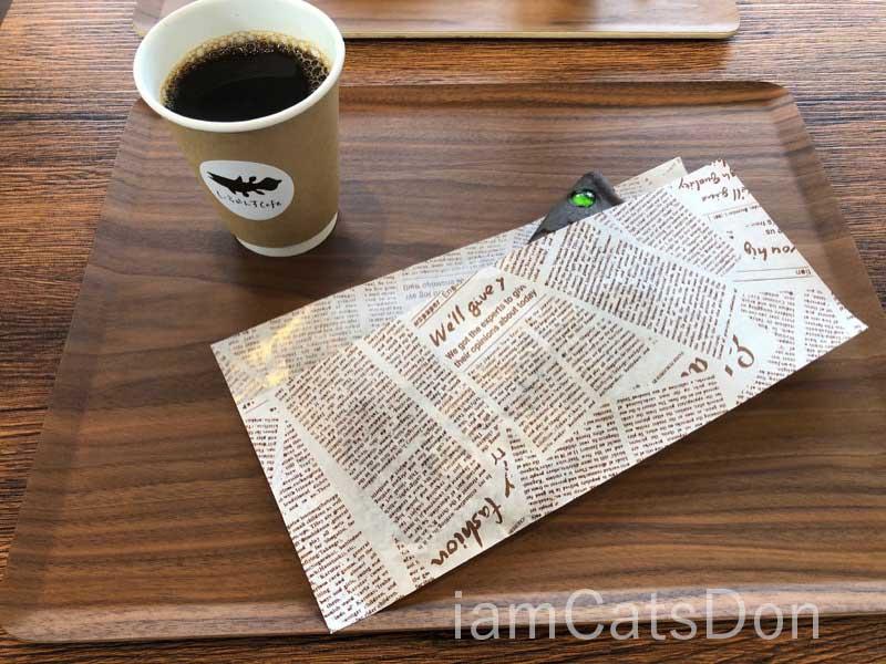 シーラカンスカフェ シェイプド・パンケーキ 沼津 深海ブラック スモークソーセージ & まろやかチーズ セット