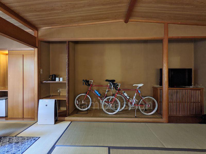 コナステイホテル KONASTAY HOTEL 伊豆長岡 古奈 ルーム 107 自転車と宿泊 床の間 サイクリスト