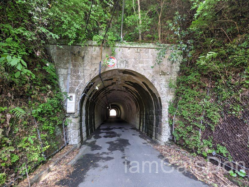 内浦から沼津駅まで歩こう 風景 駿河湾 多比神社 付近 トンネル2 安全道 414号線