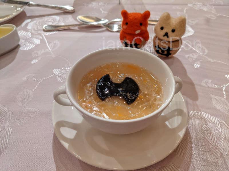 リバーサイドホテル 沼津 2021ヨハネバースデー記念スペシャルディナー 津島善子 メニュー スープ 夢からサメた特製ロワイヤルヨハネ風