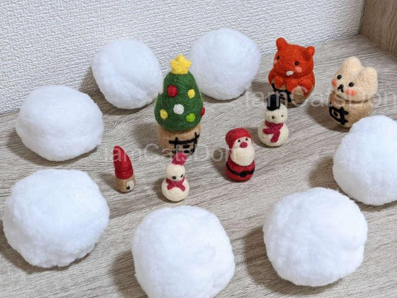 羊毛フェルトの雪だるま・サンタクロース・赤い屋根のお家・クリスマスツリー丼・かっつ丼・うんちゃん丼